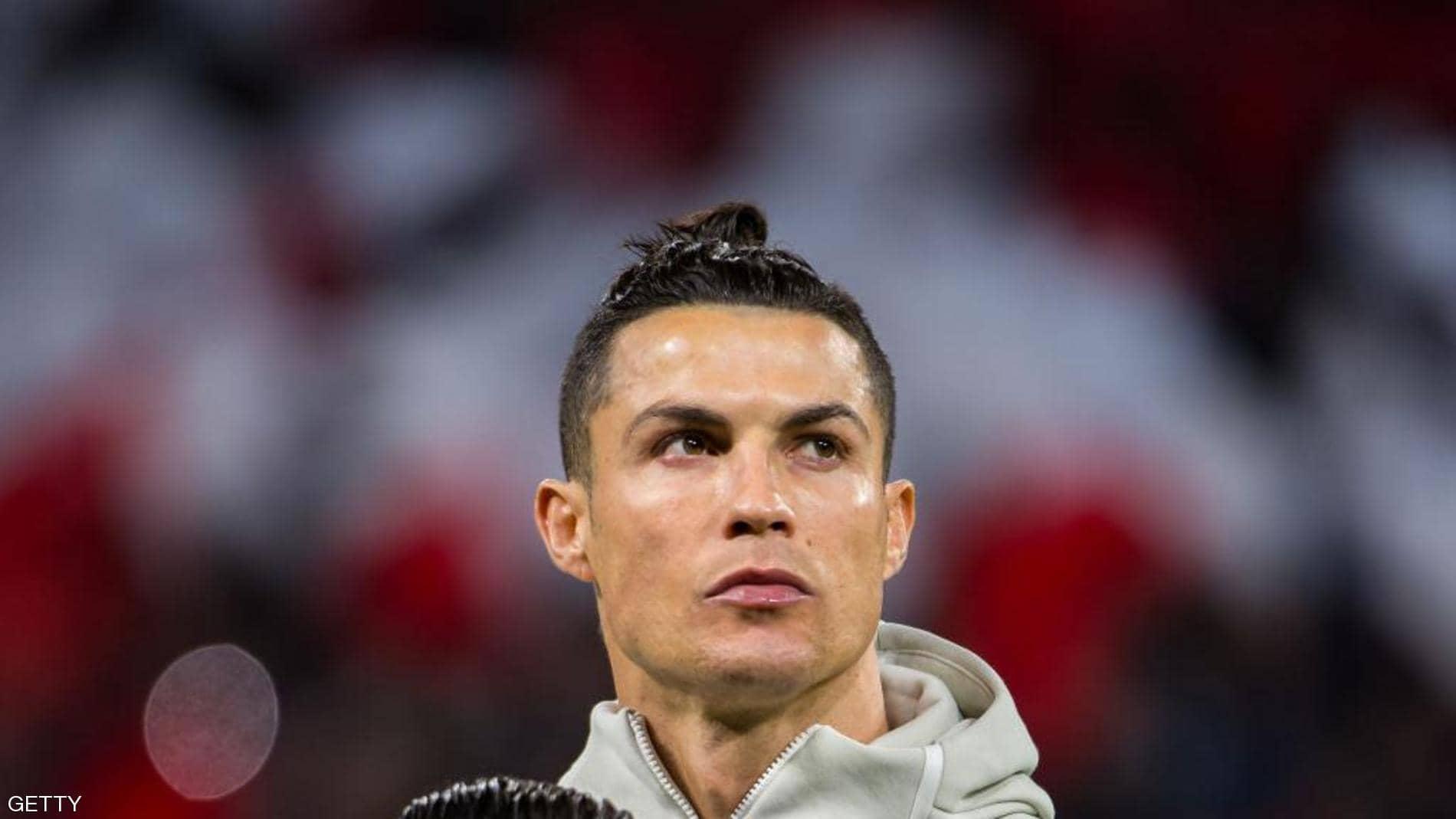 """رونالدو يدخل نادي المليار """"منفردا"""""""