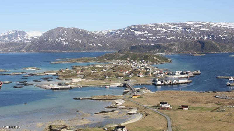 كيف تعيش جزيرة نرويجية نهارها يمتد 69 يوماً ؟