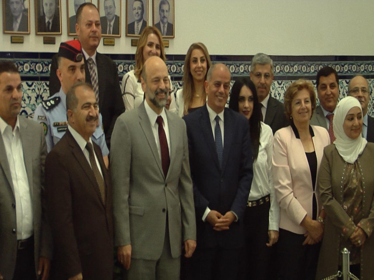 بالصور  ..  الرزاز يلتقي لجنة حقوق الانسان