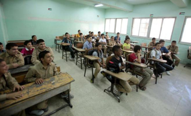 احتجاج على نقص المعلمين في مدرسة الرامة بالشونة الجنوبية