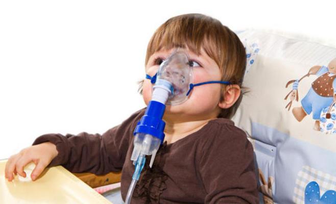 ذوو رضيعة تعاني من الربو يناشدون اهل الخير تأمين جهاز التنفس لطفلتهم