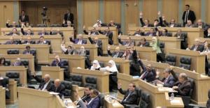 متى سيعرض قانون الضريبة على مجلس النواب؟
