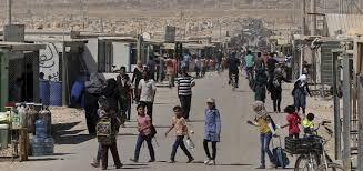 """""""المفوضية"""" تحذر: آلاف اللاجئين مهددون بقطع أو تقليص المساعدات النقدية"""
