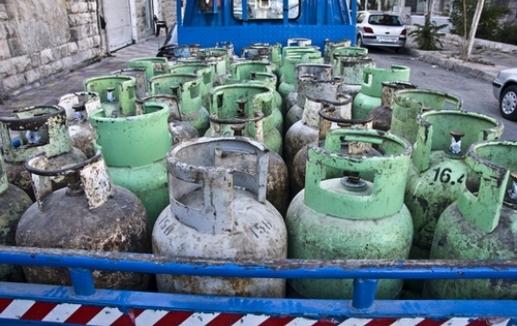 المواصفات والمقاييس تُحذر الأردنيين: هذه طريقة التلاعب باسطوانات الغاز وهكذا يُحسب وزنها الحقيقي