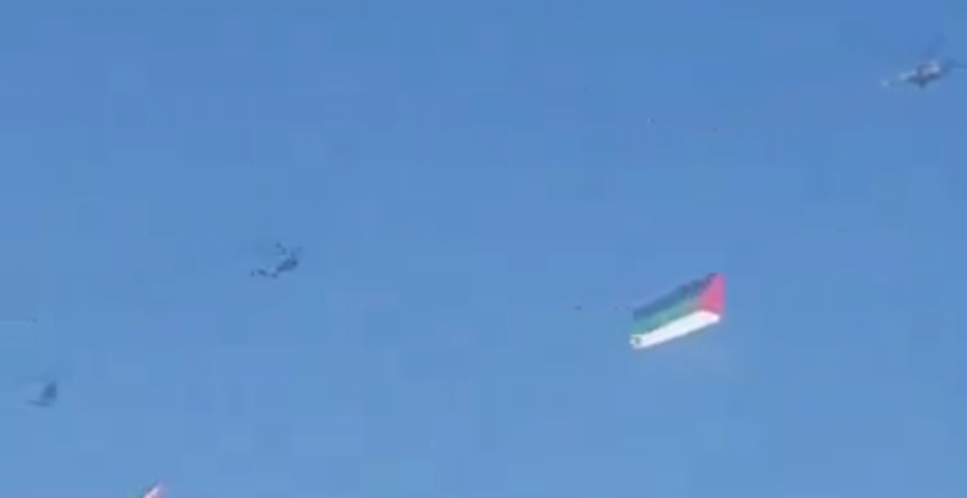 """الجيش يكشف لـ""""سرايا""""أسباب تحليق طائرات الهليوكبتر حاملة العلم الأردني في سماء العاصمة .. فيديو"""