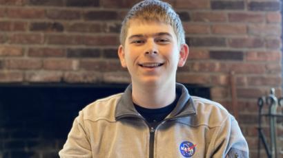 طالب متدرب في وكالة ناسا الأمريكية للفضاء يكتشف كوكبا جديدا