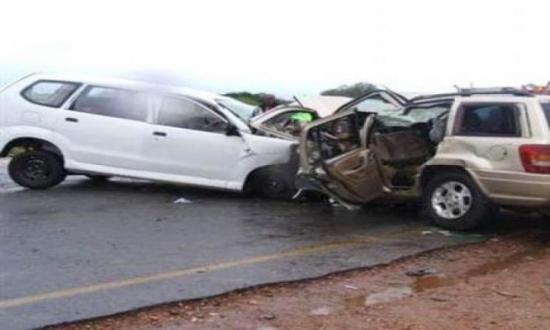 9 اصابات بحادث تصادم مركبتين في طبربور