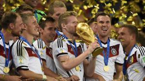 بلاتيني: الألمان يستحقون الكرة الذهبية