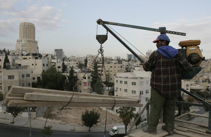 السوريون يشترون عقارات بـ 15 مليون دينار