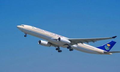"""سعودي يؤخر إقلاع طائرة لإصراره على وجود """"محرم"""" للمضيفة"""