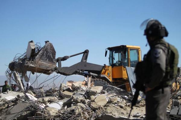 سلطات الاحتلال تمهد لهدم 15 بناية سكنية جنوب القدس