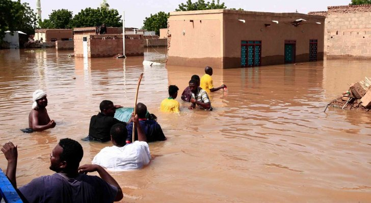 عشرات القتلى والآف المنازل المدمرة بفيضانات السودان