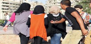 بالفيديو .. مقتل شاب خلال محاولته التحرش بفتاة