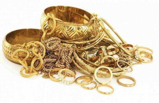 الذهب يرتفع نصف دينار