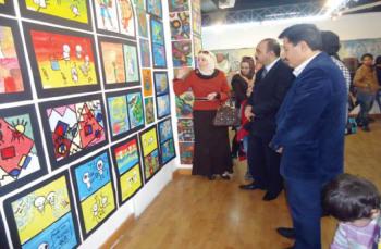 افتتاح معرض أطفال منظمة ستارت في رابطة التشكيليين