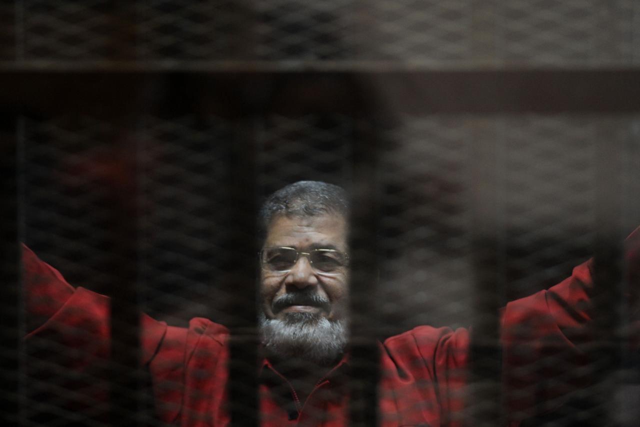 """محكمة مصرية تلغي حكم الاعدام بحق""""مرسي"""" في قضية اقتحام السجون"""