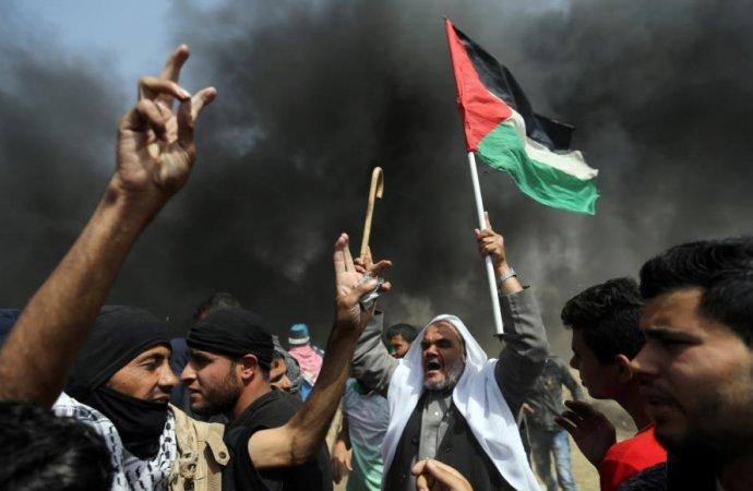 54 مصابا خلال مسيرات العودة في قطاع غزة