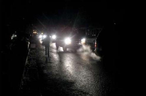 محافظ مأدبا يبحث مشكلة انقطاع الكهرباء عن منازل مقامة على اراضي الدولة