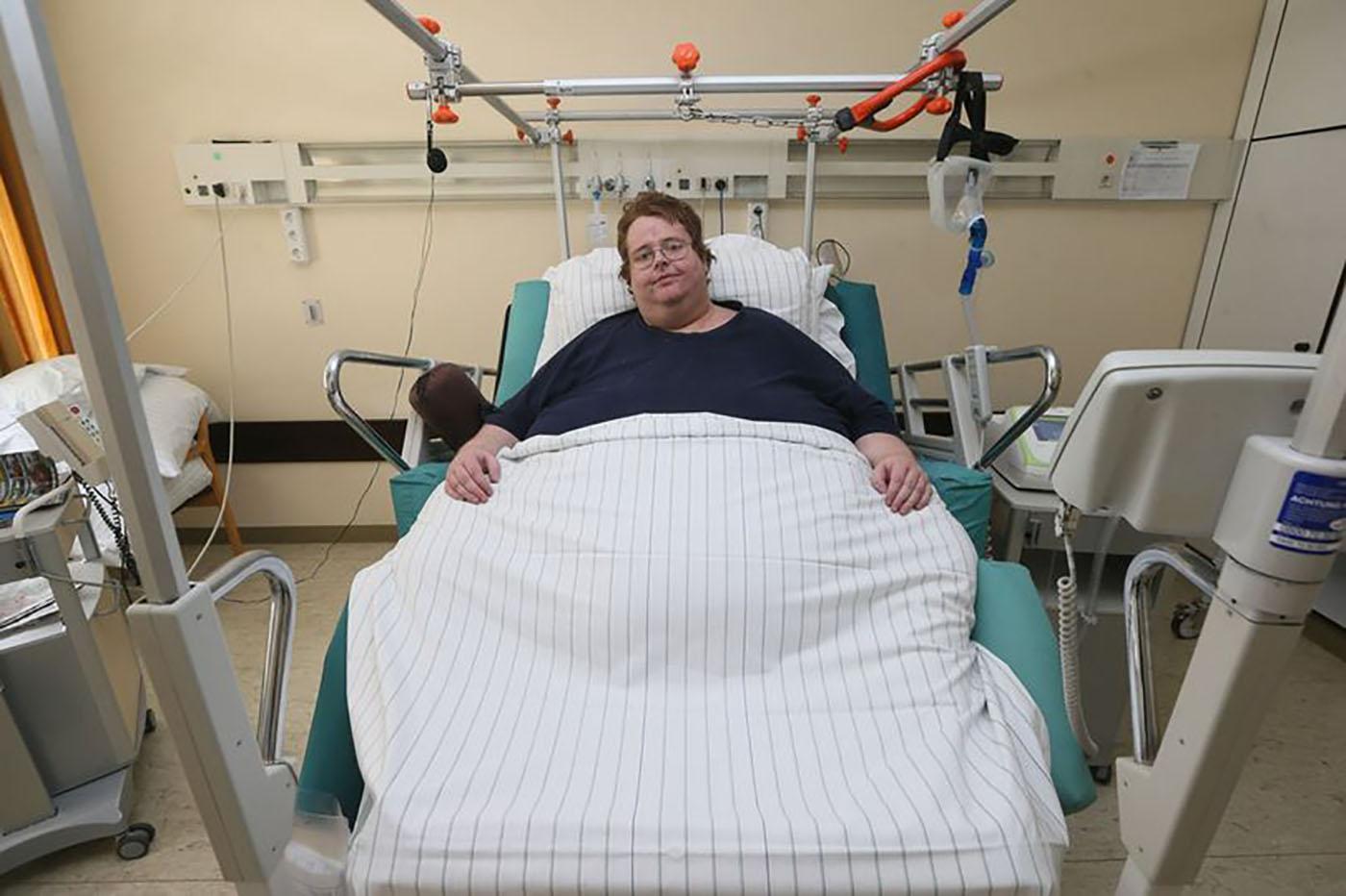 مفاجأة مدوية في خبر تعرض رجل بالخطأ لعملية ولادة قيصرية