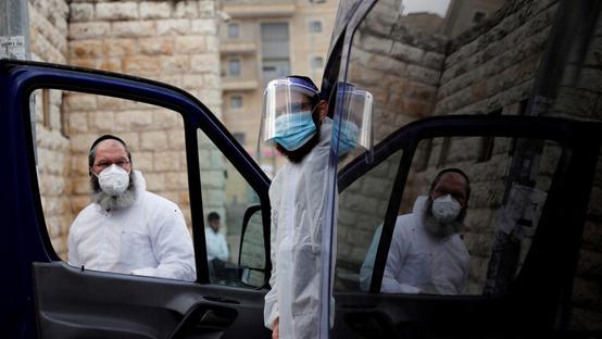 اسرائيل تحول قاعدة عسكرية لمصنع كمامات