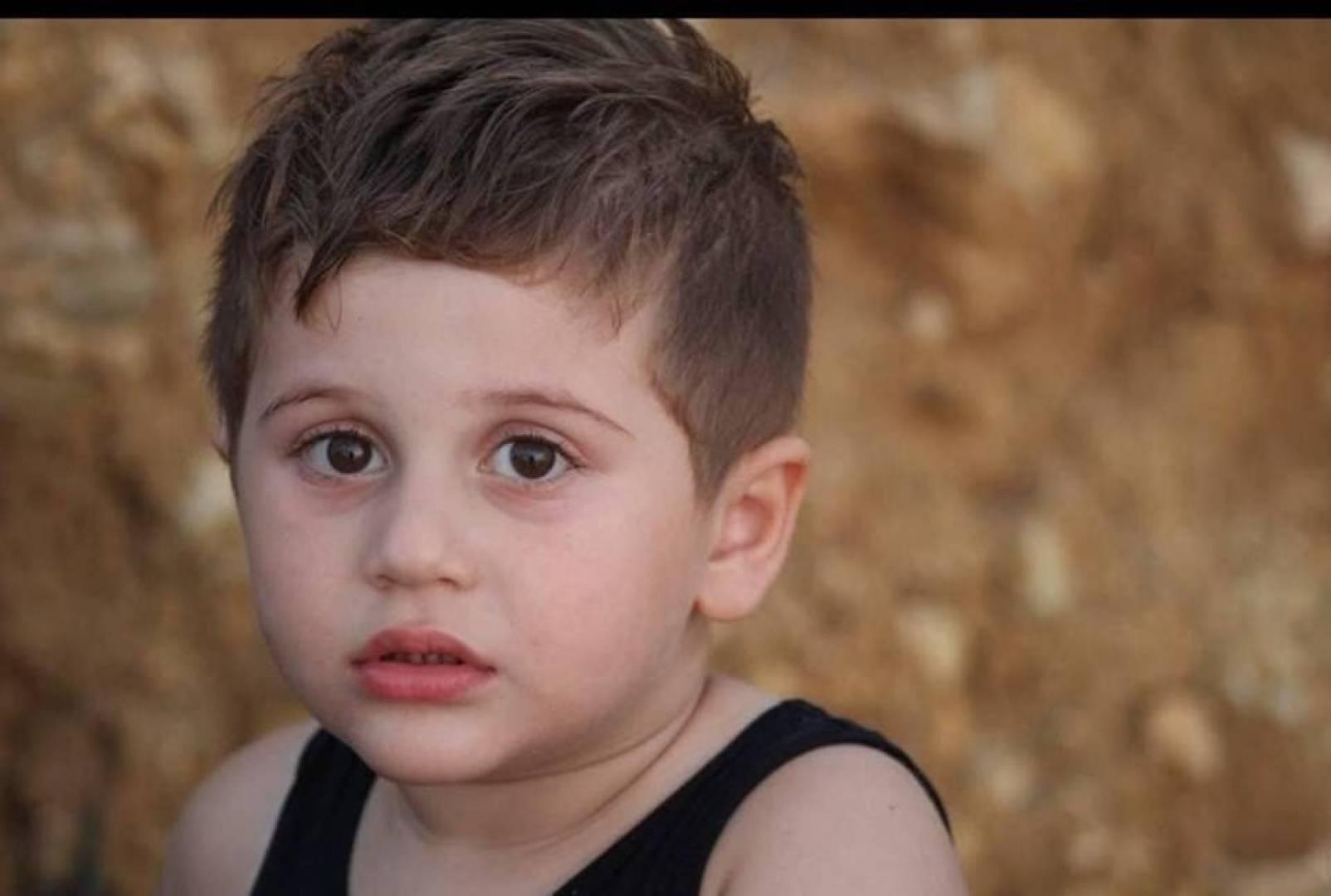 كان يسبح قبل الحادث المشؤوم ..  الموت تربّص بالطفل محمد وهو يهرع من بيت جدّه إلى الشارع