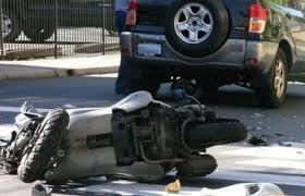 اصابة شخصين بتدهور دراجتين ناريتين في مادبا