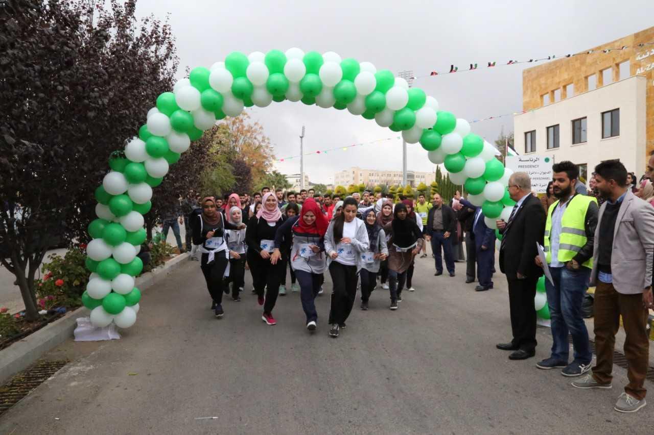 جامعة الزيتونة الاردنية تقيم كرنفالا رياضيا احتفالا بالعام الدراسي الجديد