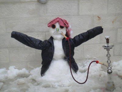يشتد تساقطها الليلة: الثلوج تتواصل حتى مساء السبت