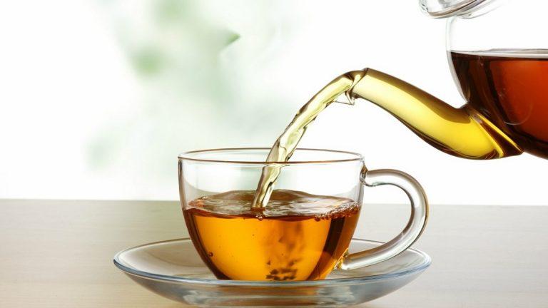 برًّا بأمها صنعت الشاي ..  فحُكم عليها بالسجن لأشهر في موريتانيا