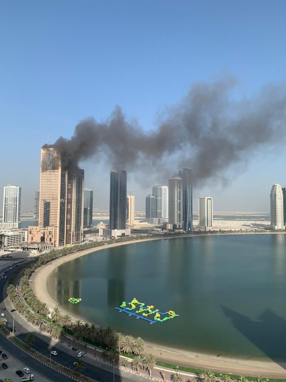 حريق في أحد الأبراج بالشارقة