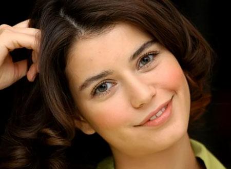 ممارسات بيرين سات «الشاذة» مرفوضة في باكستان