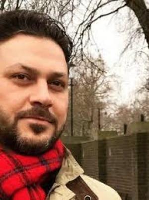 وائل شرف يطلب الدعاء من أحبائه!