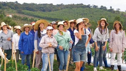 ما قصة القرية البرازيلية التي تطلب رجالاً للزواج من فتياتها