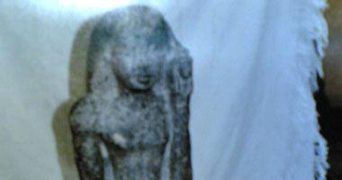 القبض على ربة منزل وبحوزتها تمثال فرعونى