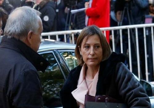 """الافراج عن رئيسة برلمان كاتالونيا بـ 150 الف يورو المتهمة ب""""التمرد"""" على خلفية التصويت على اعلان الاستقلال"""