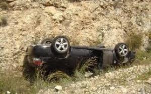 تدهور مركبة تقودها سيدة طريق اربد - عمان