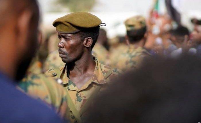 """تطورات جديدة في السودان و""""البرهان"""" يقيل النائب العام ومساعده وينهي خدمة رئيس النيابة العامة"""