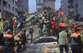 كارثة انهيار مبنى في إسطنبول تتوالى وارتفاع لحصيلة الضحايا