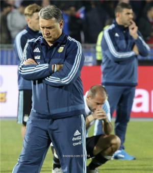 مارتينو: لم نكن نستحق الخسارة امام تشيلي