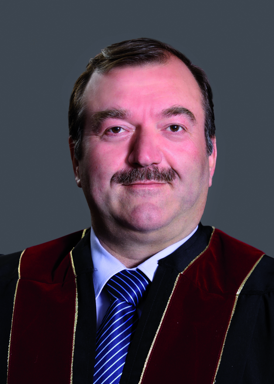 الدكتور سليم شريف مساعدا لرئيس جامعة الشرق الأوسط