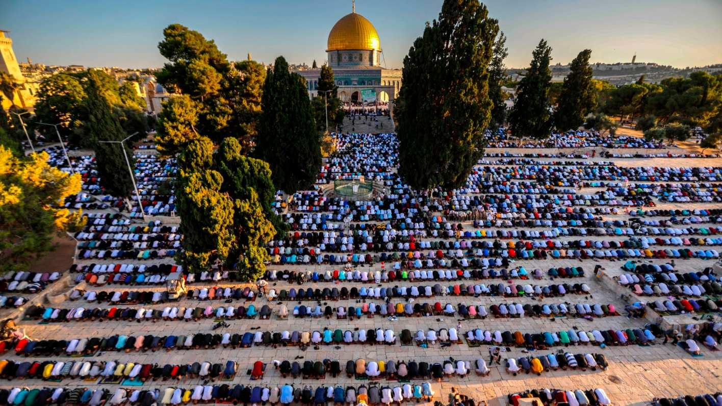 أكثر من 20 ألف مصل يؤدون صلاة الجمعة في المسجد الأقصى