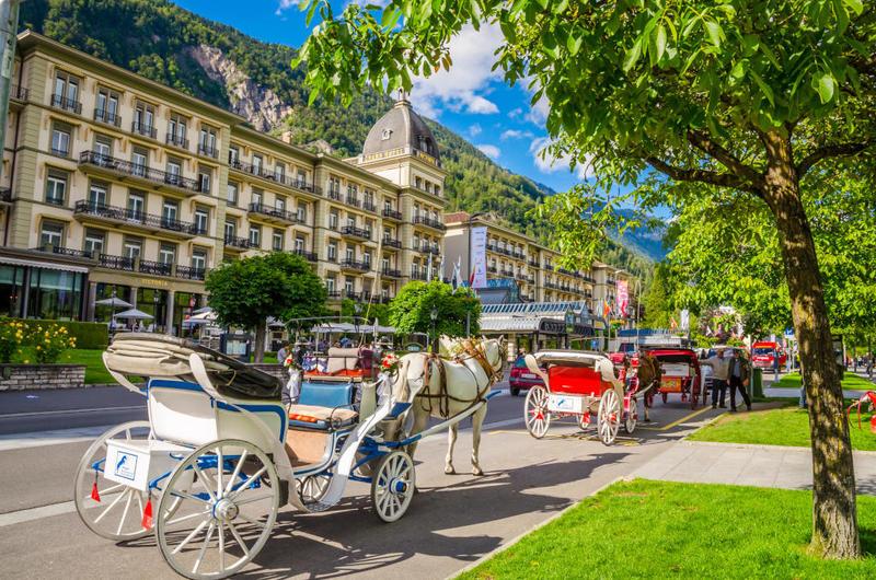بالصور  ..  أشهر المعالم السياحية في انترلاكن السويسرية