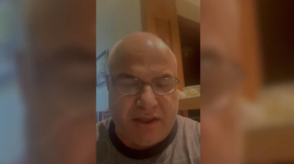 """بالفيديو  ..  النائب السابق """"خالد البكار"""" ينفي """"إشاعة"""" وفاته  يؤكد: """"الأعمار بيد الله"""""""