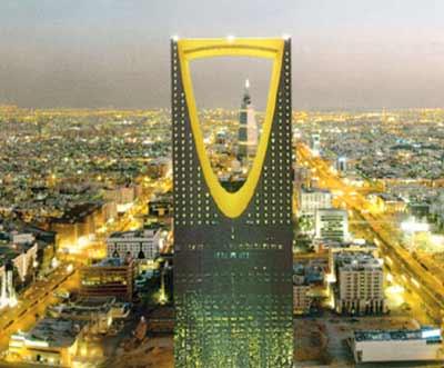 منع أمير  سعودي من السفر وسحب 10 ملايين ريال من حسابه وتسليمها لمواطن