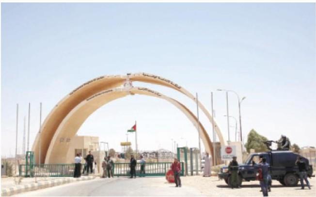 877 شاحنة تصدر منتجات أردنية للعراق منذ فتح ''طريبيل''
