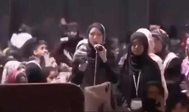 شاهد كيف سألت عن الإسلام وهي تضحك فأسلمت وهي تبكي !!