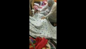 مقطع فيديو لجدة وحفيدها يثير رواد التواصل الاجتماعي
