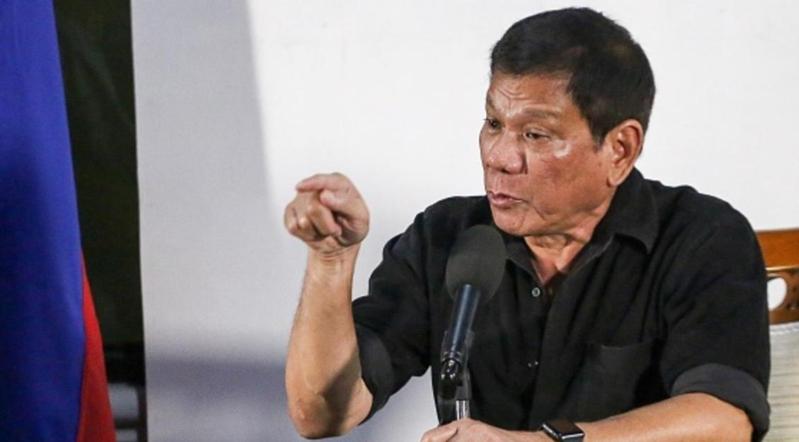 """الرئيس الفلبيني يعتبر النواب الاوروبيين """"مجانين و مزعجين"""""""