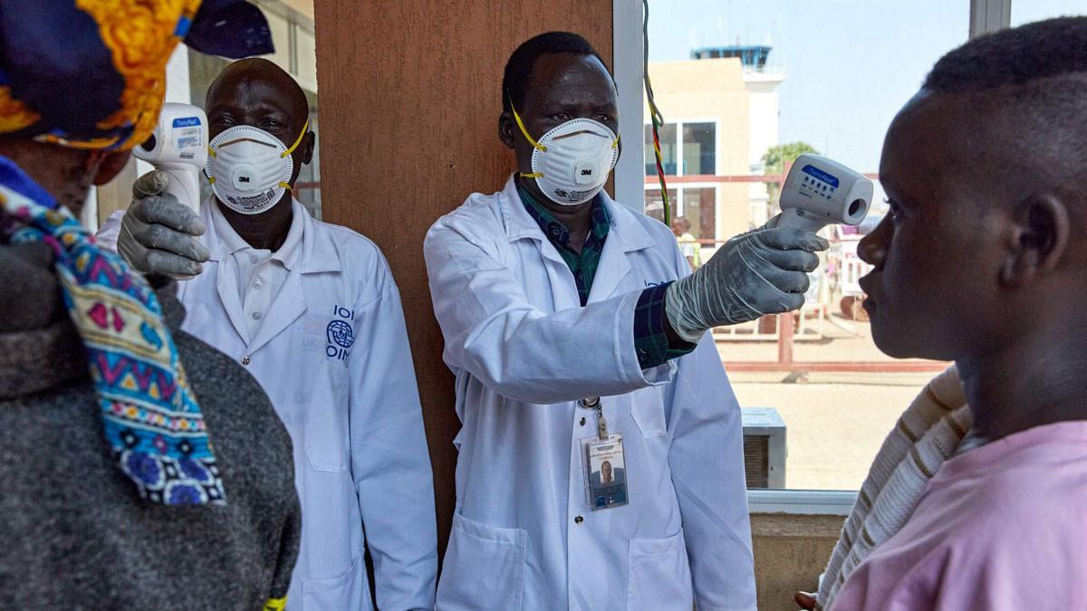 السودان يقترب من تسجيل ألفي إصابة بفيروس كورونا