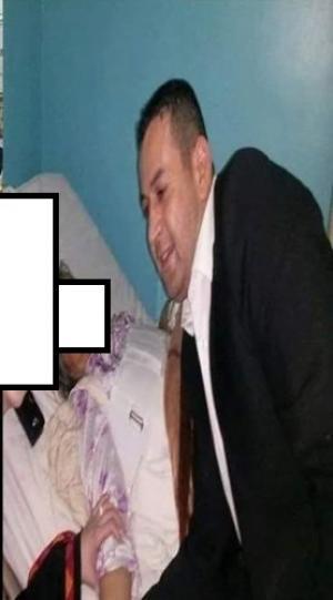 بالصور .. عريس يفاجئ والدته في المستشفى بزيارة لها و زوجته بفستان الزفاف في اربد